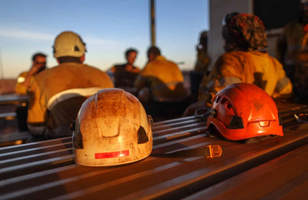 Australian construction workers G - min