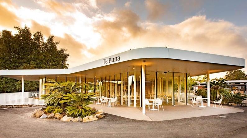 142A9370-003_Te-Puna-cafe_NZ-Strong-1024x575